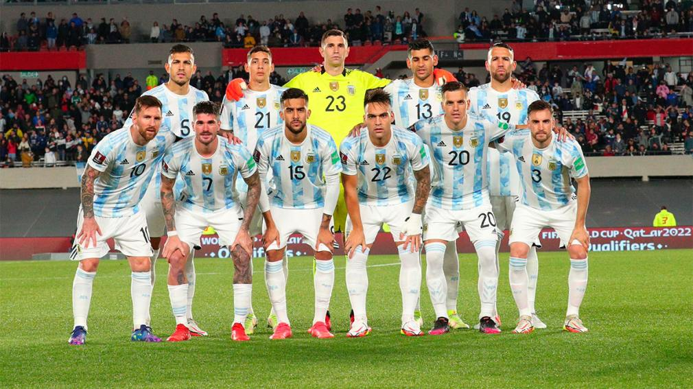 El seleccionado argentino llegó a 24 partidos invicto tras golear a Uruguay