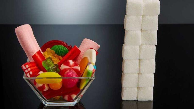 Las sorprendentes fotos que muestran el azúcar oculto en