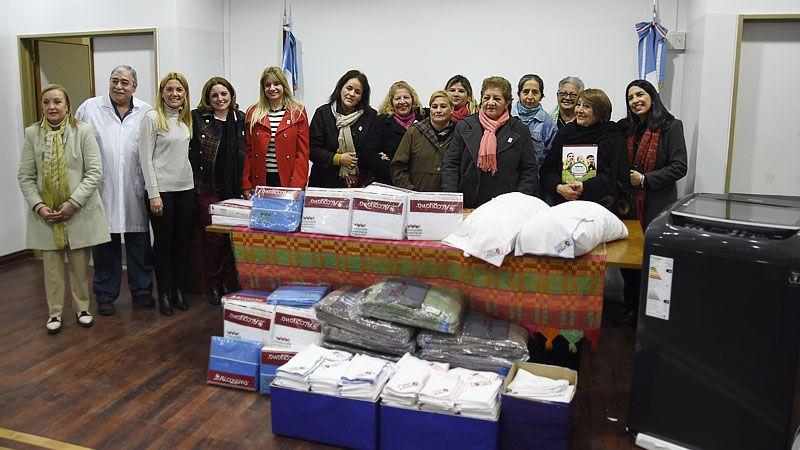 La fundaci n hamburgo realiz una importante donaci n al - San carlos ropa de cama ...