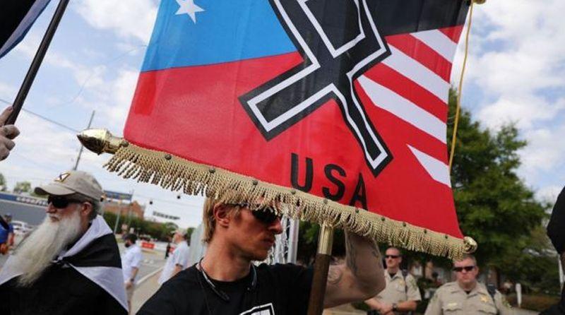 Un activista negro copó y disolvió una organización neonazi en Estados Unidos