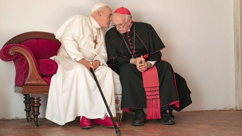 Revelan fotografía de Anthony Hopkins como Benedicto XVI