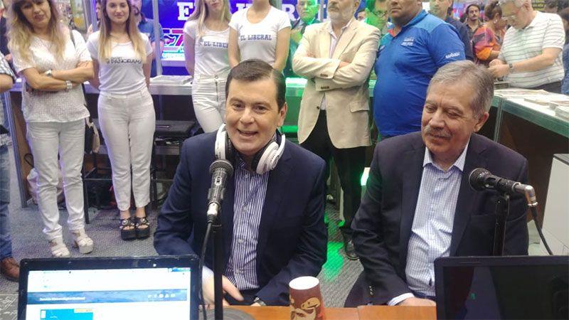 Gerardo Zamora en el stand de Radio Panorama