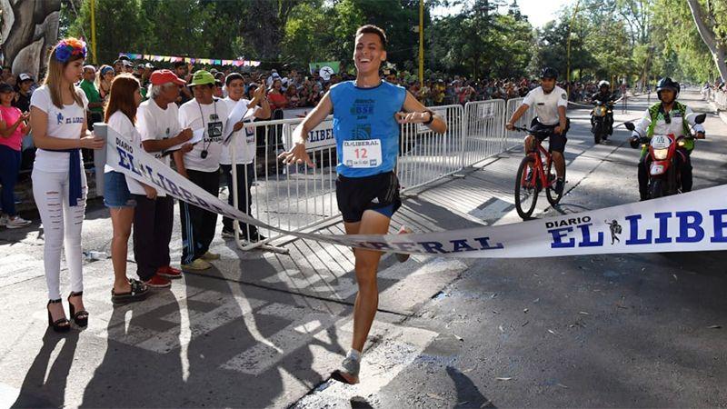 Mauricio Garzón se quedó con los 10K del Maratón de El Liberal - Diario Panorama de Santiago del Estero