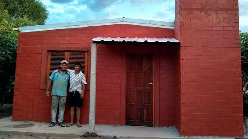 Avanza la construcción de viviendas ecológicas en San Pedro de Guasayán - Diario Panorama de Santiago del Estero