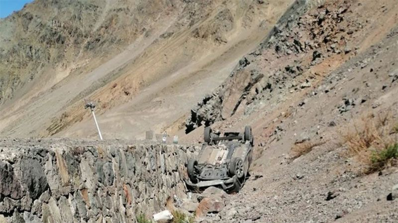 Cuatro argentinos desbarrancaron y volcaron en la Cordillera de Los Andes - Diario Panorama de Santiago del Estero
