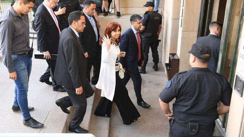 Cristina Kirchner declara en el juicio por la obra pública