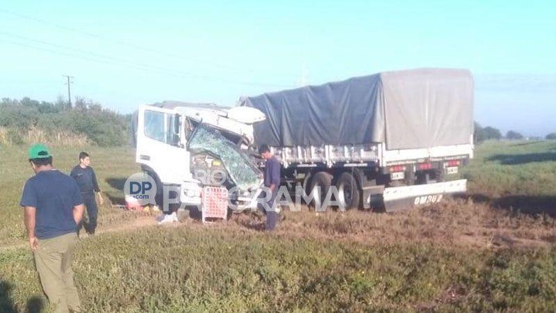 Choque de camiones deja a una persona en grave estado