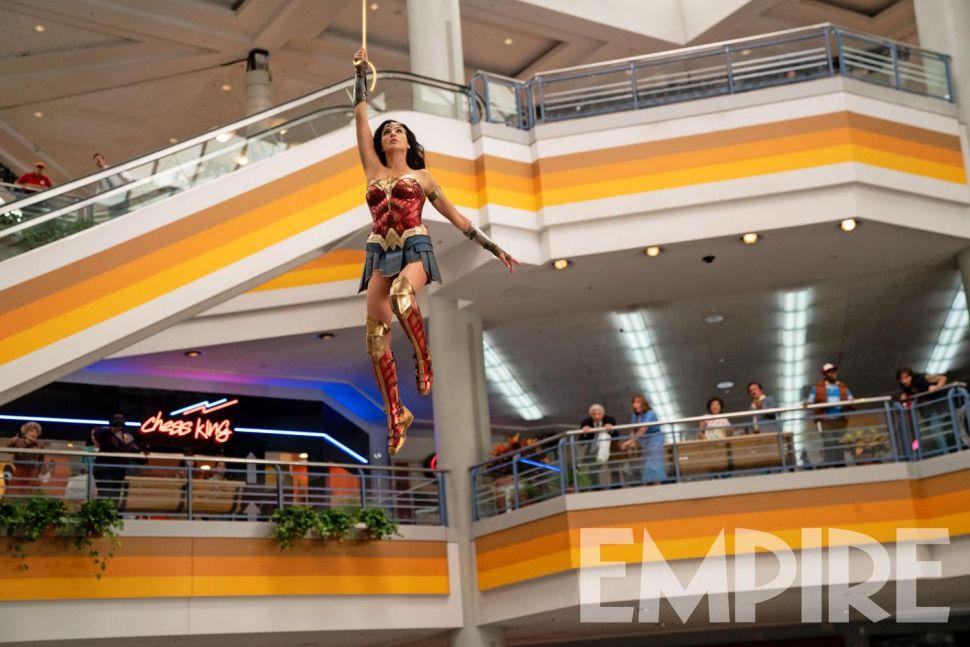 La nueva imagen de Wonder Woman con su lazo de la verdad