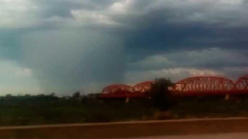 """Sorpresa en el cielo santiagueño  por un """"hongo de lluvia"""""""