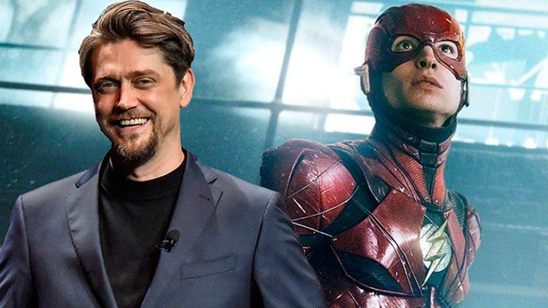 Andy Muschietti junto al Flash de Ezra Miller.