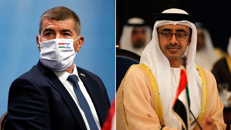 Los ministros de Exteriores Gabi Ashkenazi (Israel) y Abdulá bin Zayed al Nahyan (Emiratos Árabes Unidos)