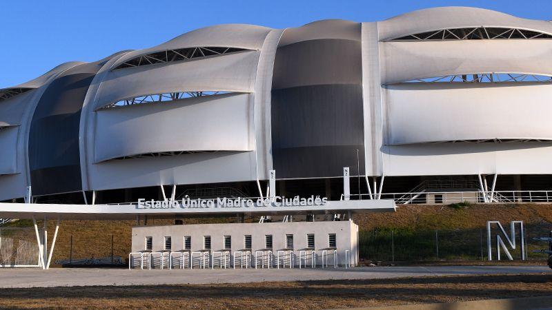 La letra N, que se encuentra al costado, señaliza el sector Norte del estadio. Foto: Federico Chara - Diario Panorama.