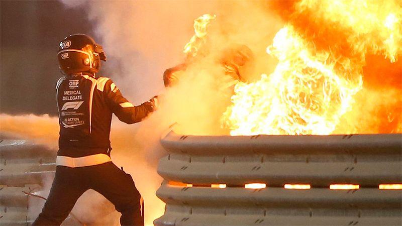Grosjean saliendo de las llamas.