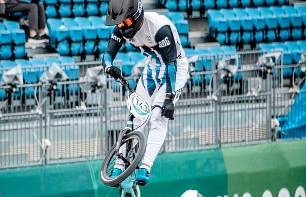 El argentino Torres pasó a semifinales tras finalizar cuarto en su serie en  ciclismo BMX - Diario Panorama Movil